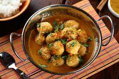 Sprawdzony przepis na Pulpeciki w sosie curry. Wybierz sprawdzony przepis eksperta z wyselekcjonowanej bazy portalu przepisy.pl i ciesz się smakiem doskonałych potraw.