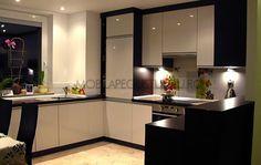 Mobila de bucatarie moderna in forma de U Kitchen, Furniture, Home Decor, Houses, Cooking, Decoration Home, Room Decor, Kitchens, Home Furnishings