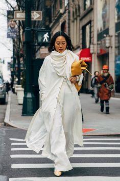 New York Fashion Week Street Style Fall 2019 New York Street Style, Street Look, Street Style Chic, Autumn Street Style, Street Style Women, Fashion Week, New York Fashion, Trendy Fashion, Fashion Outfits