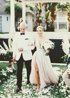 Pinterest: keedrajackson Wedding Dresses, Fashion, Bride Dresses, Moda, Bridal Gowns, Fashion Styles, Wedding Dressses, Bridal Dresses