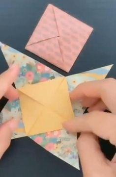 Fold Paper Into Envelope, Origami Envelope Easy, Origami Easy, Fold An Envelope, Origami Letter Fold, Letter Folding, How To Make An Envelope, How To Make Envelopes, Homemade Envelopes