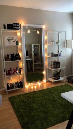 Cute Bedroom Decor, Bedroom Decor For Teen Girls, Stylish Bedroom, Teen Bedroom Designs, Room Design Bedroom, Room Ideas Bedroom, Beauty Room Decor, Aesthetic Bedroom, Dream Rooms