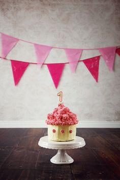 1st birthday CAKE SMASH with Hannah Nina Papiorek Photography