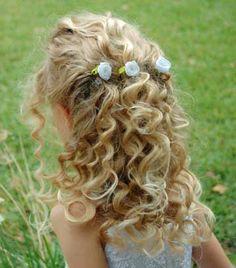 little flower girl hair :) Natalie Flower Girl Hairstyles, Little Girl Hairstyles, Bob Hairstyles, Wedding Hairstyles, Communion Hairstyles, Girls Hair Accessories, Love Hair, Hair Art, Curly Hair Styles