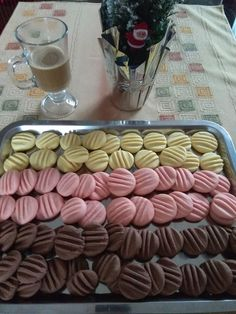 Food Humor, Baking Recipes, Sausage, Biscuits, Almond, Food And Drink, Meat, Cooking, Cake