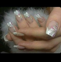 French Nails Nude Quadratisch Spitze Weis Dreieckig Lang Elegant Brautnagel Ring - - The Effective Pictures We Offer You About wedding nails videos A quality picture can tell you many thi French Nail Art, French Tip Nails, French Manicures, White French Nails, French Manicure With Design, French Tip Nail Designs, Beautiful Nail Designs, Beautiful Nail Art, Cute Nails