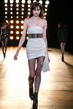 Saint Laurent Fall 2015 Ready-to-Wear Fashion Show - Sarah Engelland (OUI)