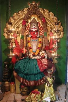 The sacred art as an offering to the Gods, and joy of men website page counter Saraswati Goddess, Goddess Lakshmi, Mysore Painting, Ram Image, Hindu Statues, Baby Krishna, Shiva Statue, Buddha Art, Indian Gods