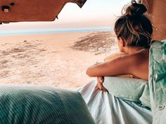 Morgens mit diesem Blick aufwachen ist einfach das Größte. Ganz wichtig, man sollte es sich in gewissermaßen verdienen dort stehen zu können. Verlasst, wenn Ihr irgendwo steht den Platz immer sauberer, als Ihr ihn vorgefunden habt. Das sollte für jeden selbstverständlich sein! Auf einem Parkplatz, am Strand oder beim Wandern nehmt 1 Teil oder mehr mit, wenn das jeder macht, wäre unserer Natur sehr geholfen. Strand, Backless, Instagram, Dresses, Fashion, Simple, Creative Gifts, Parking Space, Hiking