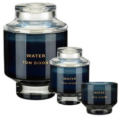 Bougie parfumée Scent Water - Medium - Tom Dixon Déclinaison : Medium - Bleu Marque : Tom Dixon Designer : Tom Dixon