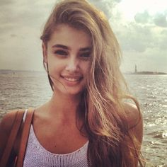 full taylor marie hill
