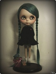 Blythe - She looks so Wednesday Addams.