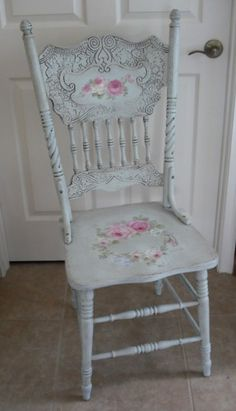 Antique Romantic Roses Chair
