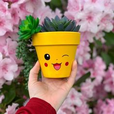 Flower Pot Art, Flower Pot Design, Flower Pot Crafts, Clay Pot Crafts, Clay Flower Pots, Diy Home Crafts, Cactus Flower, Painted Plant Pots, Painted Flower Pots