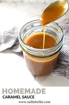 A deliciously creamy and gooey caramel sauce with only 5 ingredients! #Homemade #Caramel #Sauce #Gooey #Creamy Homemade Chocolate Sauce, Coconut Milk Chocolate, Homemade Caramel Sauce, Salted Caramel Sauce, Caramel Recipes, Sausage On A Stick, Cinnamon Roll Monkey Bread, Recipe Filing, Coffee Recipes