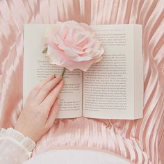 Pink Rose in a book Baby Pink Aesthetic, Peach Aesthetic, Princess Aesthetic, Book Aesthetic, Aesthetic Images, Aesthetic Iphone Wallpaper, Aesthetic Wallpapers, Applis Photo, Everything Pink
