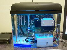 Computer cooled using a Mineral Oil filled Fish Tank - Hacked Gadgets – DIY Tech Blog
