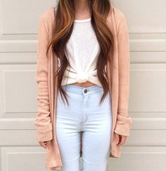 High waisted light wash jeans + white knotted top + cardigan