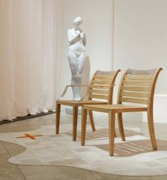 Sutherland_Robinwood_Arm&Side-Chair_Tuck