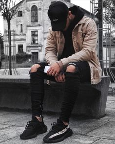 "5,649 Likes, 31 Comments - BEST OF STREETWEAR (@bestofstreetwear) on Instagram: ""Follow @streetwearde for daily fashion posts. #BestOfStreetwear Outfit by @blvckmvnivc ✅ Jacket -…"""