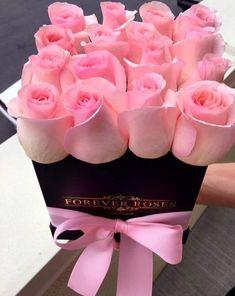 S L A Y S T Y L EEsti o persoana speciala, iar noi toti suntem binecuvantati ca existi in viata noastra! Beautiful Rose Flowers, Happy Flowers, Pretty Flowers, Rose Arrangements, Beautiful Flower Arrangements, Flower Box Gift, Flower Boxes, Pink Roses, Pink Flowers