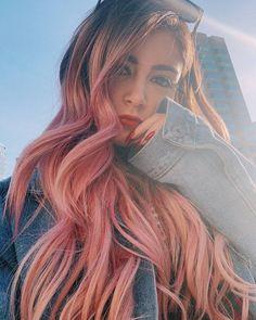 "Chrissy Costanza Fan ♥️ on Instagram: ""My sunshine ♥️ * * #girlies #music #againstthecurrent #chrissycostanzasdiary #cuteness #girls #musicislife #musical #cute #girly #atc…"" Crissy Costanza, Women In Music, Stylish Girl Pic, Beauty Tutorials, Iconic Women, Girls Club, Celebs, Celebrities, Pink Hair"