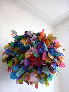 Paper mobile by Sophie Cuvelier Fun Crafts, Crafts For Kids, Arts And Crafts, Decor Crafts, Diy Paper, Paper Crafts, Paper Art, Paper Chandelier, Paper Mobile
