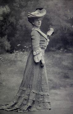 Les Modes (Paris) 1903. Robe de Visites par Doeuillet.