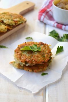 Cook's Hideout: Potato Latkes (Eggless vegan recipe) with Chunky Applesauce