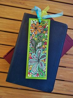Brink a little art, color, and playfulness into your reading life! This listing is for a set of one Zentangle-inspired bookmark. Ive taken one of