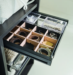 Store your jewellery and watches in your wardrobe system. With Hafele Home's drawer insert you can store jewellery, watches, socks, ties and much more, nice and neat. Who doesn't like a clean and frunctional wardrobe? Hafele Home makes it possible in the easiest and most innovative way!