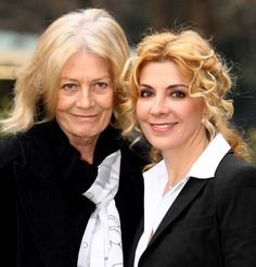 Vanessa Redgrave (growing out her color) and her daughter, the late Natasha Richardson. Celebrity Kids, Celebrity Photos, Natasha Richardson, Vanessa Redgrave, Star Family, Liam Neeson, People Of Interest, Family Affair, Parents