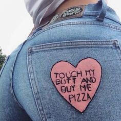 """""""Touch my bum bum and buy me pizza"""" #nicolethorne"""