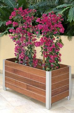 round wooden planters - How To Make Wooden Planter Boxes Waterproof? Large Wooden Planters, Wooden Planter Boxes, Wood Planter Box, Modern Planters, Wood Planters, Flower Planters, Planter Ideas, Vegetable Planter Boxes, Flower Box Centerpiece