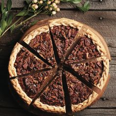 Your next cooking club challenge: Chocolate-bourbon pecan pie Pecan Desserts, Chocolate Desserts, Toffee, Chuck Hughes, Fudge, Pie Recipes, Dessert Recipes, Chocolate Bourbon Pecan Pie, Almond Cakes