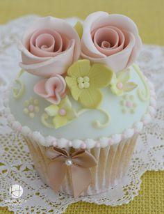 Vintage Cupcake on Cake Central