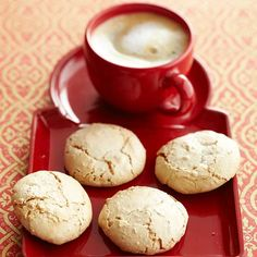 Healthy Italian Amaretti Cookies Beaten egg whites add structure to these light, flourless cookies. Almonds and amaretto give them rich flavor. Cookie Desserts, Holiday Desserts, Just Desserts, Cookie Recipes, Dessert Recipes, Holiday Cookies, Cookie Tray, Pumpkin Recipes, Dinner Recipes