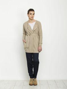 Women's beige raglan sleeve knitted sweater cardigan,  A- line silhouette, double breasted - naisten vaslea villatakki neuletakki Andy Ve Eirn
