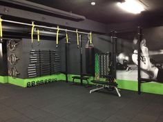 We've collected photos and recaps of our work with dozens of gyms nationwide to give you an idea of the Rogue difference. Dream Home Gym, Gym Room At Home, Sala Fitness, Fitness Studio, Fitness Tips, Gym Setup, Home Gym Garage, Gym Facilities, Gym Interior