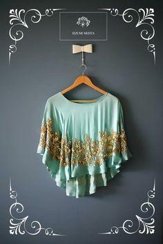 61 ideas for crochet poncho bohemian Cape Designs, Fancy Blouse Designs, Lehenga Designs, Saree Blouse Designs, Cape Dress, Poncho Dress, Modest Fashion, Fashion Outfits, Baby Girl Dress Patterns
