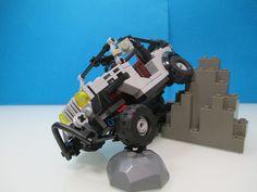 LEGO Jeep crawler