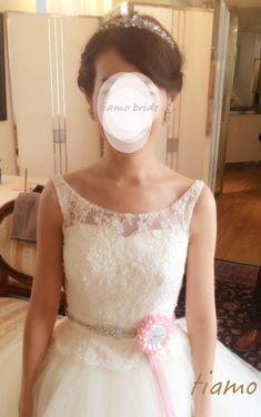 シニヨン&サイドダウン♡美人花嫁さまのフェミニンな2スタイル の画像|大人可愛いブライダルヘアメイク 『tiamo』 の結婚カタログ