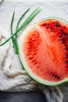 Watermelon Coconut Aloe Juice aka How to Rehydrate Like a Goddess — Will Frolic for Food Fruit And Veg, Fruit Of The Loom, Fruits And Vegetables, Simple Clean Meals, Brazil Food, Yummy Healthy Snacks, Juicy Fruit, Summer Of Love, Summer Days