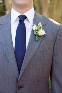gray suit and navy blue tie Grey Suit Blue Tie, Grey Tux, White Tux, Gray Suits, Black Tuxedo, Black Suits, Grey Yellow, Navy Blue, Groom And Groomsmen Attire