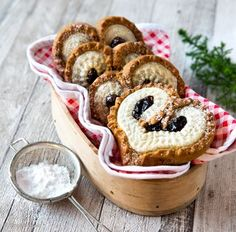 finnische kekse uploaded by Ʈђἰʂ Iᵴɲ'ʈ ᙢᶓ on We Heart It I Love Food, A Food, Food And Drink, Sweet Recipes, Vegan Recipes, Dumpling Recipe, Christmas Baking, Let Them Eat Cake, No Bake Cake