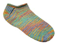 150 yards DK weight yarn Ravelry: Travel Socks pattern by Diane Lyles Knitted Slippers, Crochet Slippers, Knitted Bags, Knit Or Crochet, Crochet Granny, Knitting Patterns Free, Knit Patterns, Free Pattern, Free Knitting