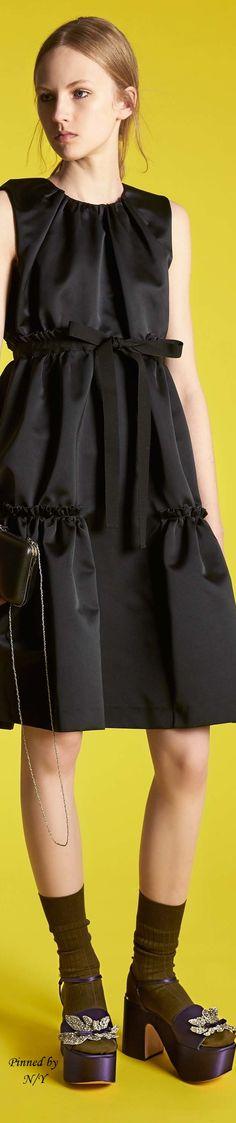 Rochas Resort 17: black dress.