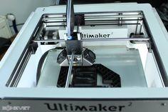 3D printer turn!  @bonevetmaker @maker_spaces #BONEVET #makerspace #3Dprinting #make #learn #create #digital #technology #inspire #makersgonnamakeit Stay updated by following us on : www.bonevet.org