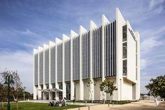 Gallery of Dr. Miriam & Sheldon G. Adelson School of Entrepreneurship / David S. Robins + Dan Price - 10