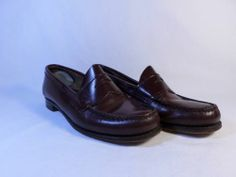 Womens shoes G.H. Bass WEEJUNS brown genuine leather USA moc toe loafers 7.5 B M